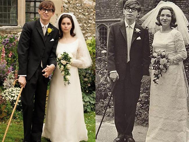 Eddie Redmayne ve Felicity Jones  The Theory of Everything filminde Stephen ve Jane Hawking karakterlerinde.