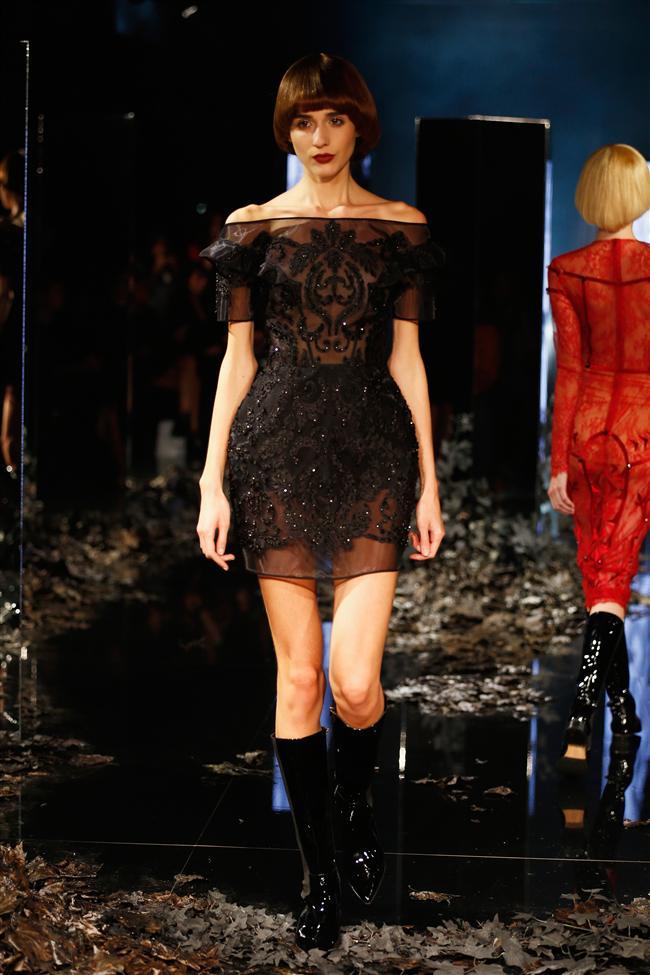 Ünlü moda tasarımcısı Zeynep Tosun İstanbul Moda Haftası'nda 2014-2015 ilkbahar-yaz koleksiyonunu görücüye çıkardı.