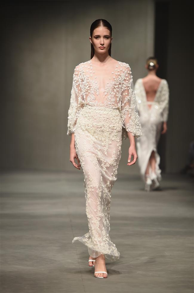 Ünlü moda tasarımcısı Özgür Mansur, İstanbul Moda Haftası'nda 2014-2015 ilkbahar-yaz koleksiyonunu görücüye çıkardı...