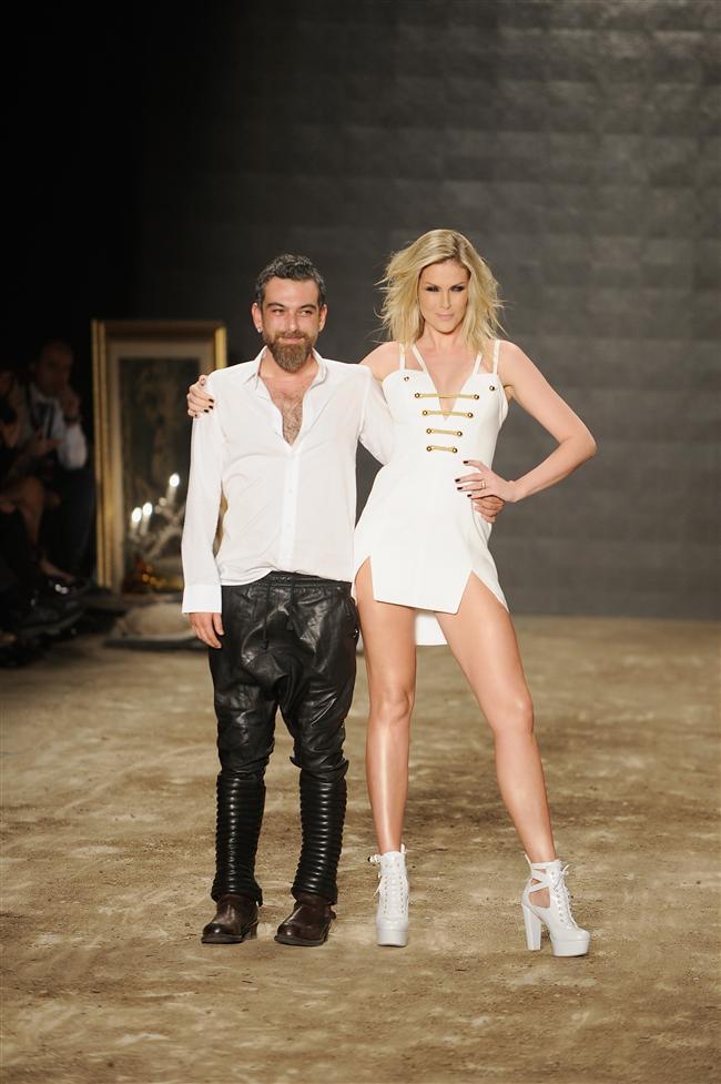 Dekoruyla dikkat çeken defilede, dünyaca ünlü top model ve tasarımcı Ana Hickmann da podyumda yürüdü.