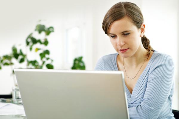 Daha yeni çıkmaya başladığınız halde annesini ya da başka aile fertlerini Facebook'tan eklemek.