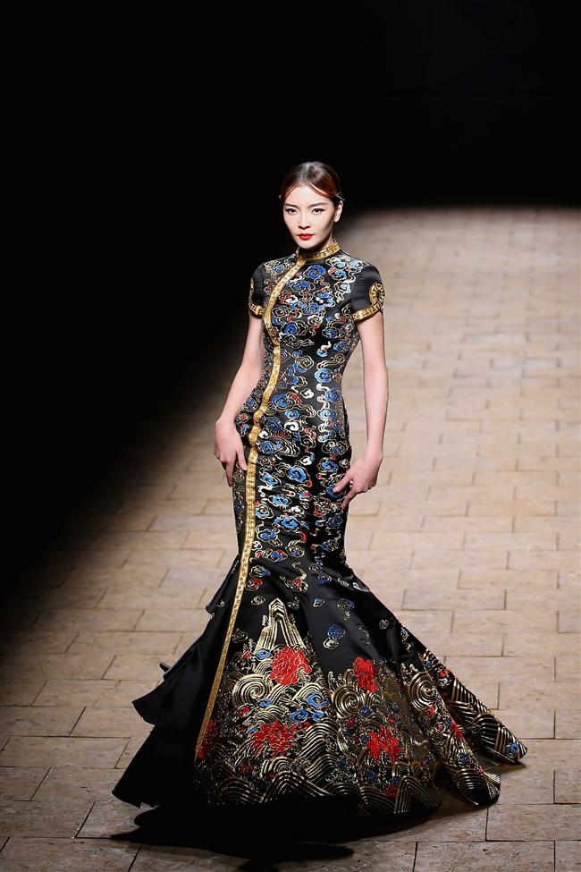 İşte Çin moda haftasındaki ilginç tasarımlardan bazıları...