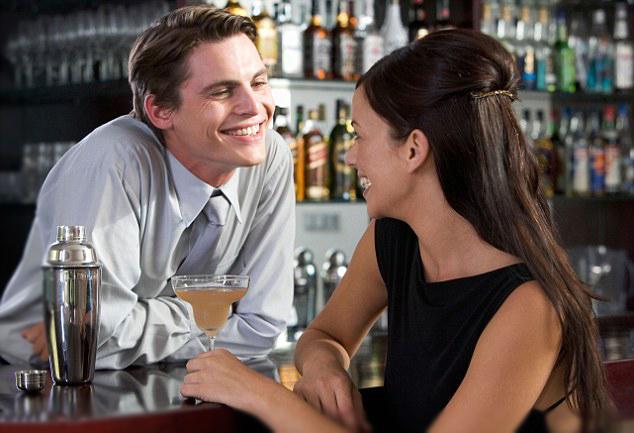 2. Başkasının sana romantik bir biçimde bakması halinde ise panik halinde ne yapacağını şaşırırsın.