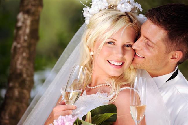 10.Sosyal Medya   Sosyal medyada tanışıp çıkmaya başlayan çiftlerin %23'ünün ilişkisi evlilik ile sonuçlanmakta.