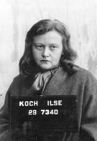 """Ilse Koch """"Buchenwald Cadısı"""" ( 1906-1967)  Siyasi suçlu hapishaneleri'nin komutanı Karl Otto Koch'un eşi. Buchenwald Toplama Kampı'nda mahkumlara karşı sadist davranışları ve acımasızlığından dolayı Buchenwald Cadısı olarak ünlenmiştir. Dövmeli vücutlara düşkünlüğü ile tanınan Ilse Koch öldürttüğü esirlerin derilerindeki dövmeleri kesip (bazen de derileri kendisi süsleyip) çanta, eldiven, gece lambası, hatta işlemeli iç çamaşırı yapmıştır."""