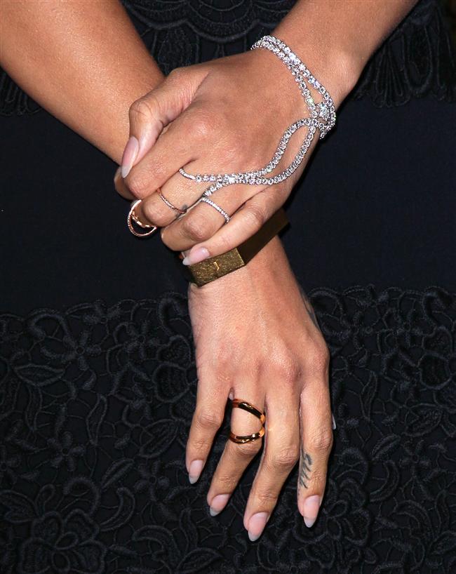 Aksesuar trendi gün geçtikçe genişliyor, büyüyor. Bu sezonun trendi ise moda dünyasına hızlı bir giriş yapan el bilezikleri!