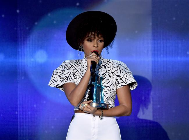 "Hollywood şarkı ödülü: Janelle Monae, ""What is Love"" for Rio 2"