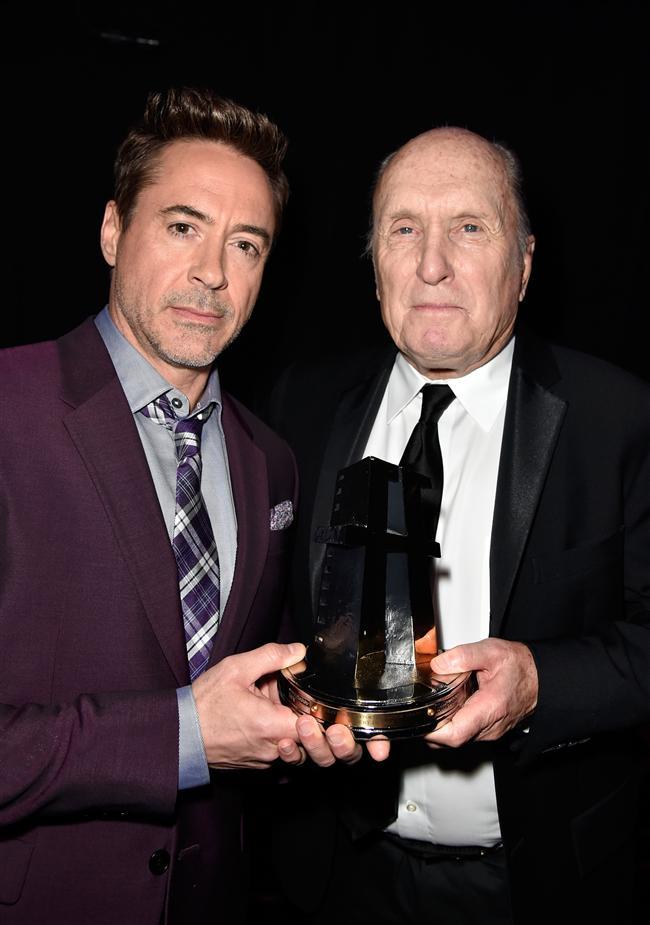 Hollywood yardımcı aktör ödülü: Robert Duvall, The Judge / Robert Downey ve Robert Duvall