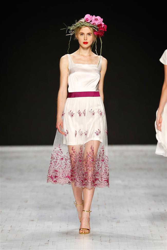 Yerli tasarımcılar ve modaevlerinin yeni koleksiyonlarını tanıttığı haftada, İsviçreli dünyaca ünlü Aziza Zina markasının defilesi öne çıktı.