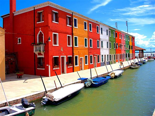 5. Burano Island, İtalya