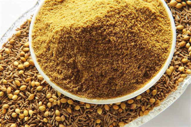 6. Kimyon: Keskin kokusu ve tadıyla baharatlar arasında farklı bir yeri olan kimyon, sindirim güçlüklerine fayda sağlıyor. Gaz, şişkinlik gibi durumlarda sindirim sistemini rahatlatıcı etkisi ile öne çıkıyor.
