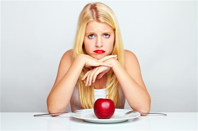 15. En sonunda diyetini bozduğunu kabullenirsin ve yarın tekrardan başlamaya karar verirsin.