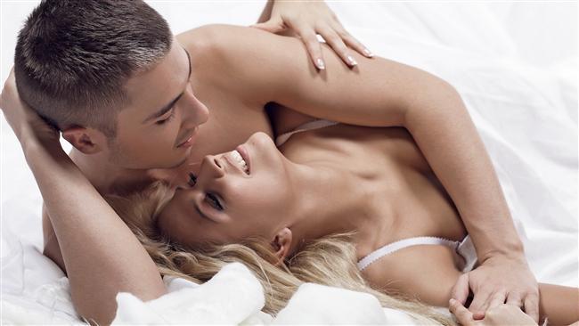 2. Sevgilisi yoksa nasıl bulabileceği  Eğer kişimizin sevgilisi yoksa nasıl bulacağına da büyük bir alan ayırır. Çünkü bu konu da direkt seks ile bağlantılıdır. 1 dakikada düşünülen 4 seksli içeriğin biri bu konu etrafında şekillenir. Sevgilisi olsa ona neler yapacağını, ofiste seksin nasıl olabileceğini, romantik ortamlar tasarlama gibi konulara kafa yorar. Yaklaşık %16'lık bir alan kaplar.