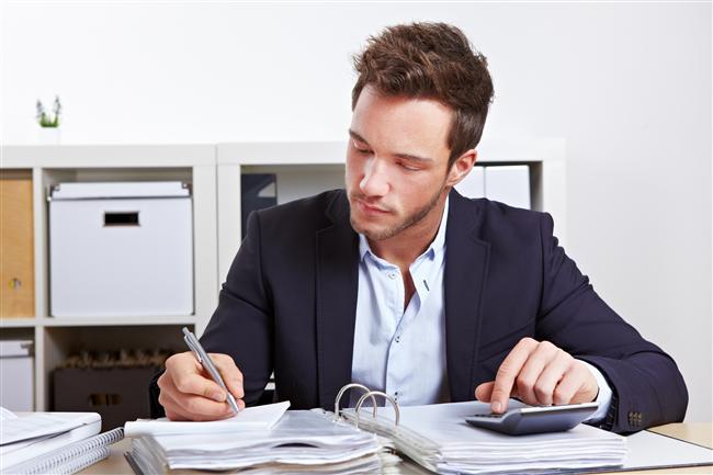 10. İş  Ve haliyle iş için geriye %10 kalır. Yani %98'ini sekse ayırdığı beyninin kalan %2'lik kısmının ancak %10'unu işine verebilmektedir bir erkek. Gerisi size kalmış.