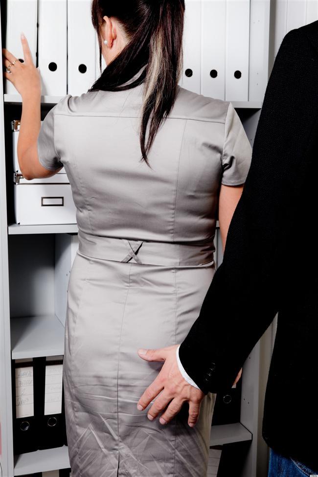 5.Şakacı sapık Murat  Murat ofisin sempatik şakacı çocuğu imajını yerleştirmek için harcadığı mesaiden sonra asıl gizli planını devreye sokup, şaka kisvesinde Allah ne verdiyse girişir. Yüz vermemek gerekir, elini veren kolunu kaptırır.