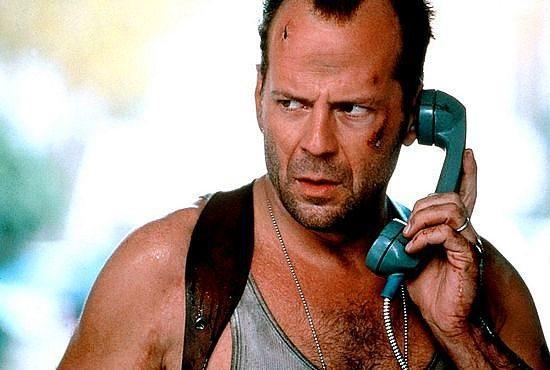John McClane  Zor Ölüm / Die Hard (1988) Canlandıran: Bruce Willis