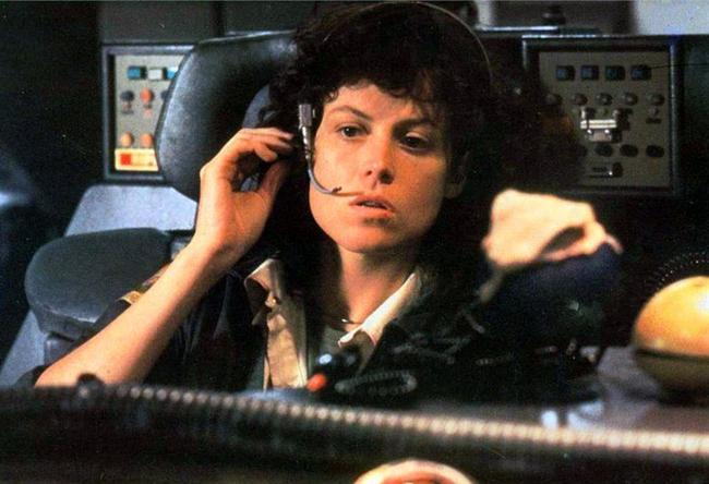 Ellen Ripley  Yaratık / Alien (1979) Canlandıran: Sigourney Weaver