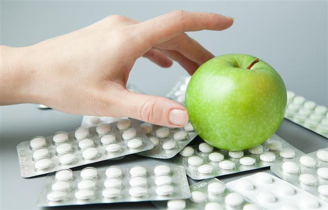 26- Arkadaş sohbetlerinde alınan diyet veya bitkisel sanılan ilaçlarla zayıflamaya çalışmak.   27- Kullanılan bazı ilaçların iştah artırıcı yan etkilerinden kaynaklı aşırı besin tüketimi karşısında doktor ile temasa geçmeden durumu kendi kendine kontrol etmeye çalışmak   28- Meyve yiyerek ya da sadece haşlanmış sebze tüketerek tek tip diyetlerle, kendi kendine zayıflamayı beklemek.   29- Sauna veya sıvı kaybettiren aktivitelerle zayıflamaya çalışmak.   30- Destek ürünler, vitaminler, çaylar vb. uygulamaların zayıflamada yapılan diyet veya spordan daha önemli olduğuna inanmak.
