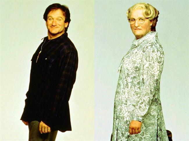Robin Williams - Müthiş Dadı / Mrs. Doubtfire (1993)  Yakın zamanda kaybettiğimiz usta oyuncu bu filmde Daniel Hillard karakterinden kadın  karakter Mrs. Doubtfire'a dönüşüyordu ve en komik oyunculuklarından birine imza atmıştı.