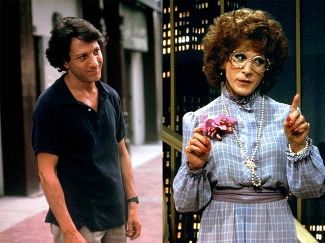 Dustin Hoffman - Tootsie (1982)  Dorothy Michaels adlı kadın karaktere bürünen usta oyuncu Dustin Hoffman unutulmaz rollerinden birine imza atmıştı. En İyi Erkek Oyuncu dalında Oscar adayı olmuştu.