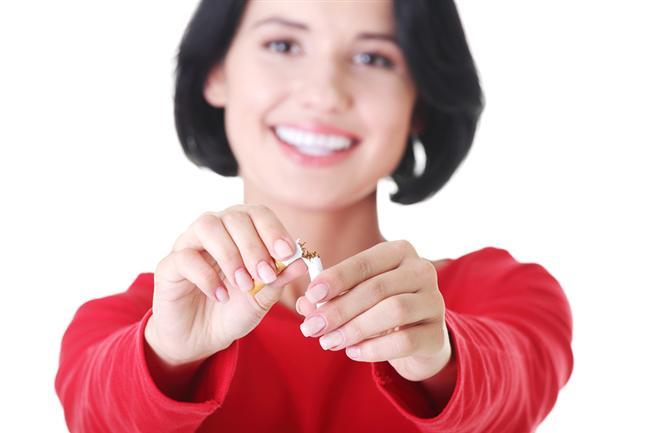 6. Sigara içmeyin   Sigara içilmesi böbrek kan akımında azalmaya neden olur. Böbreğin kan akımı azalması sonucu yeterince süzme yapamaz ve atık maddeler vücutta birikir. Ayrıca sigara içen kişilerde böbrek kanseri gelişme riski % 50 artıyor.