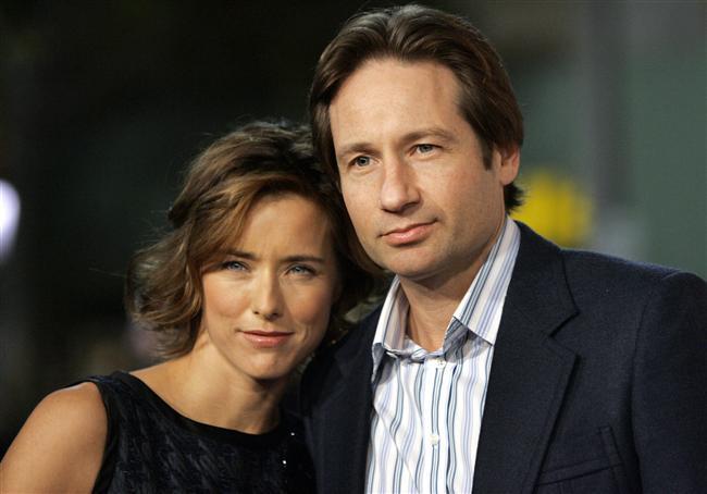 David Duchovny ile Tea Leoni de boşanmaya karar verdi.   Çift 1997 yılında evlenmişti.