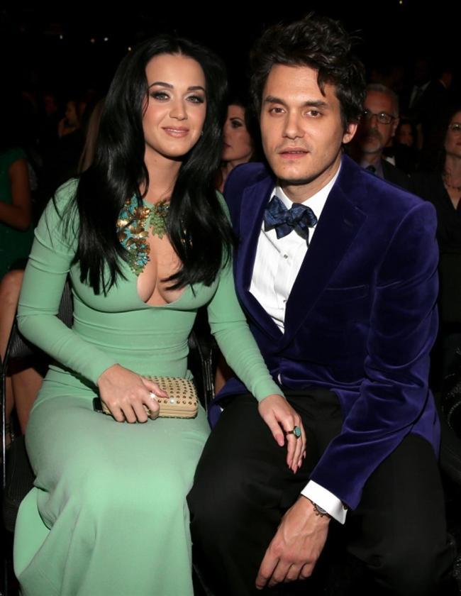 Katy Perry ile John Mayer'in aşkı çok konuşulmuştu.   Ama ünlü çift bu yıl içinde yollarını ayırdı.
