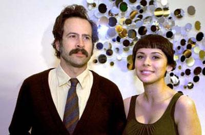 Türk asıllı manken Ceren Aykaç'ın, ülkemizde de yayınlanan My Name is Earl dizisinin yıldızı Jason Lee ile evlendi.Çift sık sık Alkaç'ın memleketi İzmir'e gelip Çeşme'de tatil yapıyor.