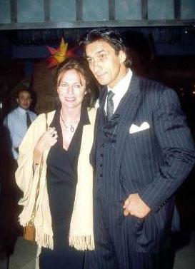 Bir dönem güzelliğiyle sinema tarihine damga vuran Jacqueline Bisset, Türk Emin Boztepe ile aşkıyla çok konuşuldu.