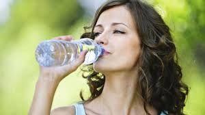 İyi bir detoks için bilinmesi gereken bazı noktaları şu şekilde sıralayabiliriz:  - Bol sıvı tüketin. (günde 10-15 bardak su)  - Uyanır uyanmaz bir ya da iki bardak ılık su için.  - Alkol, sigara, kafein, şeker, yağ ve kirli havadan uzak durun.  - Günde üç kez ortalama 35 dakikalık yürüyüşlere çıkın. (özellikle öğünlerden sonra)   - Hayvansal kaynaklı proteinlerden (et, süt, yumurta, peynir) uzak durun.  - Sebze, meyve ve tahıl tüketin.  - Sık ve küçük öğünler halinde yiyin.  - Kahvaltınızı mutlaka yapın.  - Öğle ve ikindi yemeğiniz son derece hafif olmalı.  - Akşam yemeğinizin porsiyonunu yarıya indirin.  - Özellikle akşam yemeği sonrası çıkılan yürüyüş sonrasında dinlendirici bir duş alınmalı. Duş esnasında derinize masaj yapabilirsiniz ya da derinizi keseleyebilirsiniz. Duş sonrasında ise cildinize dinlendirici masajlar yapabilirsiniz.  - Yatmadan önce bitkisel çaylar içebilirsiniz.  - Yaşadığınız ortamları bol bol havalandırın ve kimyasal olarak üretilmiş ürünler kullanmayın. (kimyasal parfümler, cilalar, temizlik ürünleri vs.)