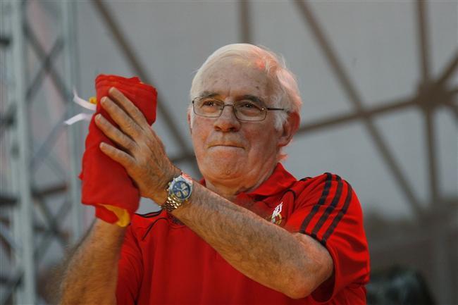 5. Eski futbolcu ve teknik direktör Luis Aragones