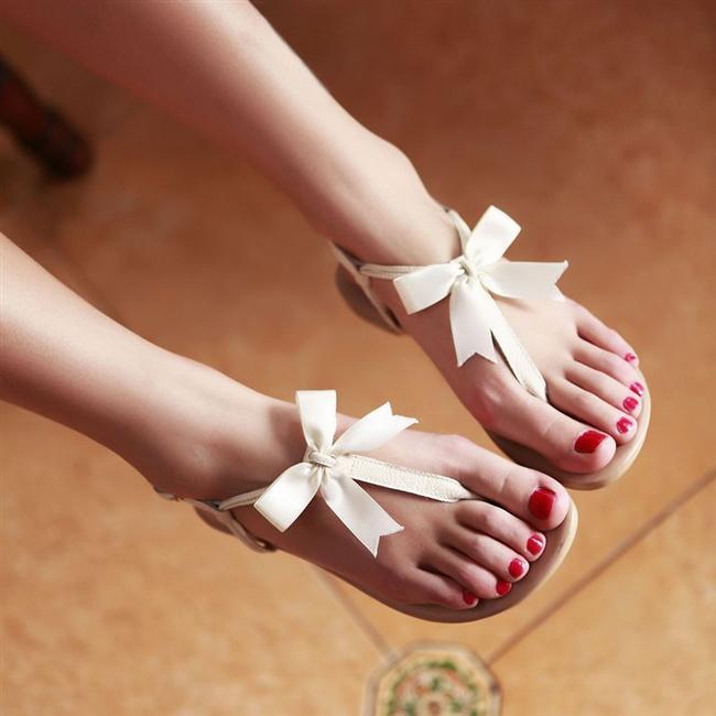 13. Şıklıktan ziyade içinde rahat edebileceğin ayakkabılar tercihin haline gelmiştir.