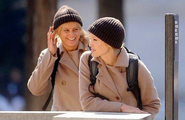 11. Angelina Jolie ve İkiz Dublörü Eunice Huthart (Salt)