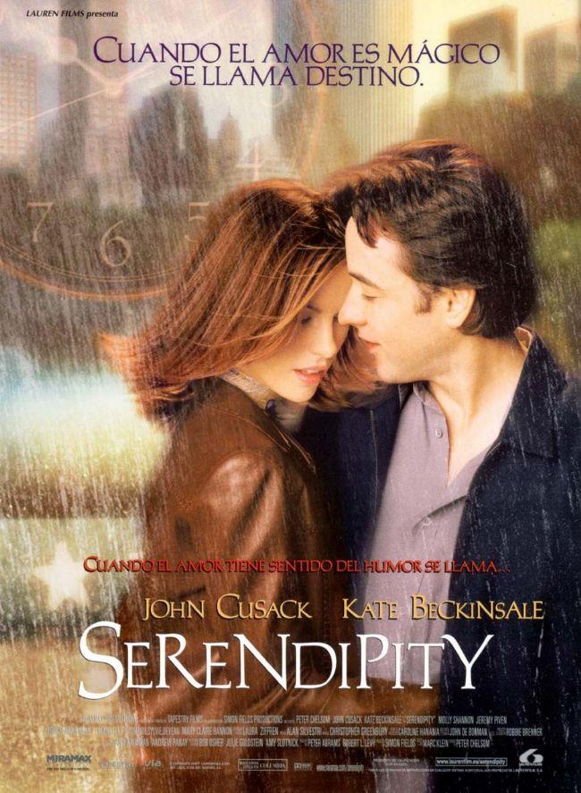 29. Tesadüf / Serendipity (2001)  Noel'den hemen önce New York'tayız. Bloomingdale'de kalan son bir çift kaşmir eldiveni aynı anda satın almak isteyen Sara (Kate Beckinsale) ve Jonathan (John Cusak) bu vesileyle tanışırlar. Eldivenlerin kimin olacağına karar vermek için Serendipity ismindeki küçük kafeye giderler.