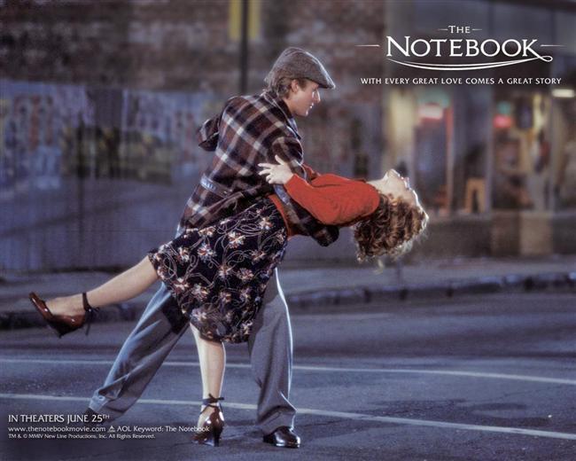 9. Not Defteri / The Notebook (2004)  1940'lı yıllarda ABD, Kuzey Karolayna'daki sahil kasabası Seabrook'a genç bir kız gelir. Ailesiyle geçireceği sakin bir yazı hayal eden Allie bir karnavalda tanıştığı Noah'la yakınlaşır. Noah kızı gördüğü anda hayatını birleştirmesi gereken insan olduğunu anlar.
