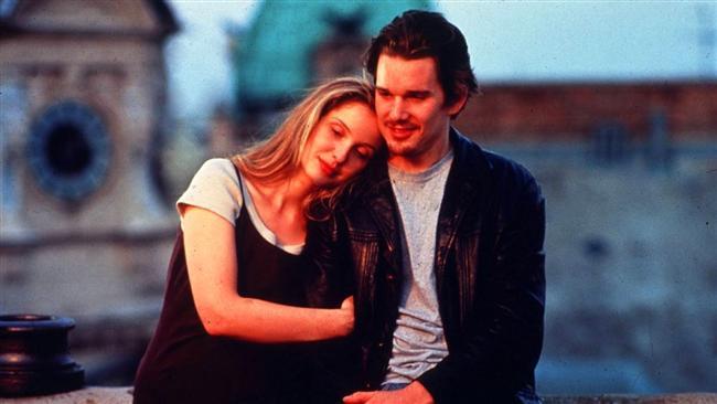 7. Gün Doğmadan / Before Sunrise (1995)  Fransız yüksek lisans öğrencisi Celine (Julie Delpy) ile Amerikalı Jesse (Ethan Hawke), Budapeşte - Viyana treninde bir çiftin kavgası ile tesadüfen tanışırlar. Jesse, Celine'e, ertesi gün uçağa bineceğini ancak parası olmadığından sabaha kadar Viyana caddelerinde dolaşacağını söyler ve Celine'in kendisine eşlik etmesini ister. Viyana'da trenden inerler ve 14 saat boyunca hayatlarını derinden etkileyecek bir beraberliğe adım atarlar.