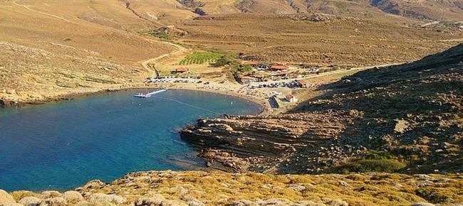 10. Gökçeada Yıldızköy Kamp (Çanakkale)  Bir başka ada kamp alanı olan Yıldızköy kampta denizin maviliğine istediğiniz gibi doyabilirsiniz. Adada Çanakkale Gökçeada Havalimanı var. Çadır kampına uygun.