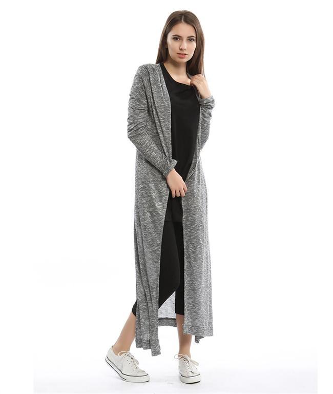 Uzun Hırka  İster etek, ister pantolon isterseniz de taytla kolayca kombinleyebileceğiniz uzun hırkalar bu sezon çok trend!  Collezione hırka – 39,99 TL