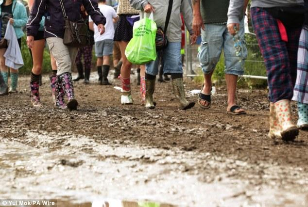 17. Ve son olarak, botların, çizmelerin sürekli çamur olması.
