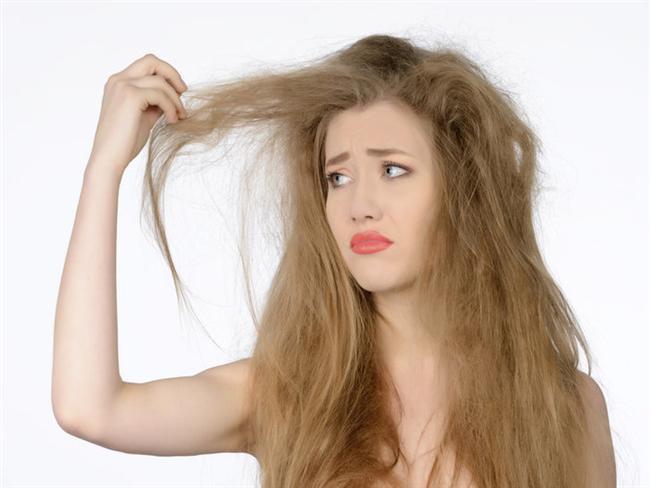 8. Kışın rüzgarlı havalarında saçlar ile mücadele çetin geçer.