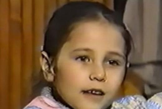 O küçük kız bu sezon Poyraz Karayel dizisinde Ayşegül karakterini canlandıran Burçin Terzioğlu'ndan başkası değil.