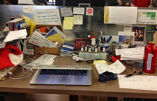18- Eğer home-ofis çalışmıyorsanız evinizdeki gizemli ofis teçhizatlarına gerek olmadığını düşünüyoruz: Zımba, delici, zımba telleri, zarflar, tipeks, 1 koli dosya kağıdı gibi...