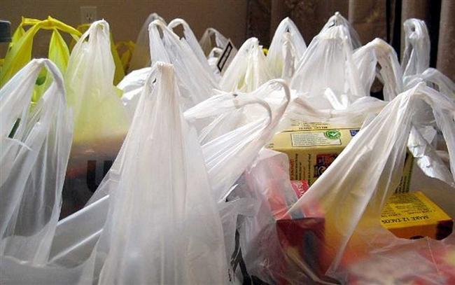 8- Her alışveriş sonrası bakkaldan alıp eve getirdiğiniz ve ısrarla oraya buraya sıkıştırdığınız onlarca plastik poşete gerçekten ihtiyacınız var mı?