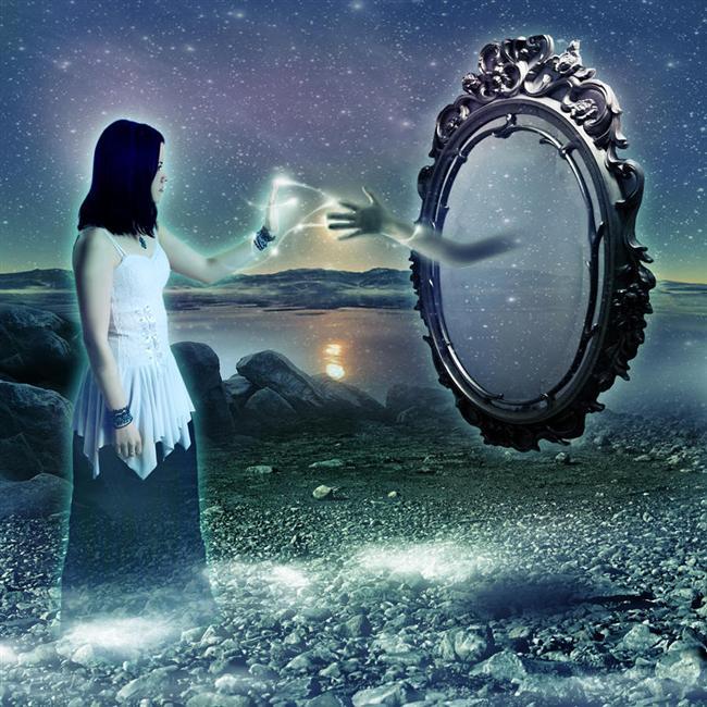1- Rüyalarımızın %90'ını unutuyoruz.  Uyandıktan sonraki 5 dakika içinde gece gördüğümüz rüyaların %50'sini unutuyoruz. 10 dakika içindeyse %90'ını...