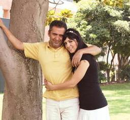 Genç yaşta evlenen Yavuz Bingöl'ün de boyunca kızı var. 21 yaşındaki Türkü Sinem Bingöl babasıyla arkadaş gibi. Ünlü sanatçının en büyük destekçisi.