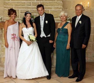 Hun bir süre önce oğlunu evlendirdi.