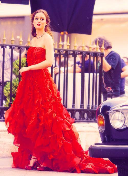 Mükemmel Valentino Kırmızı elbisesi...