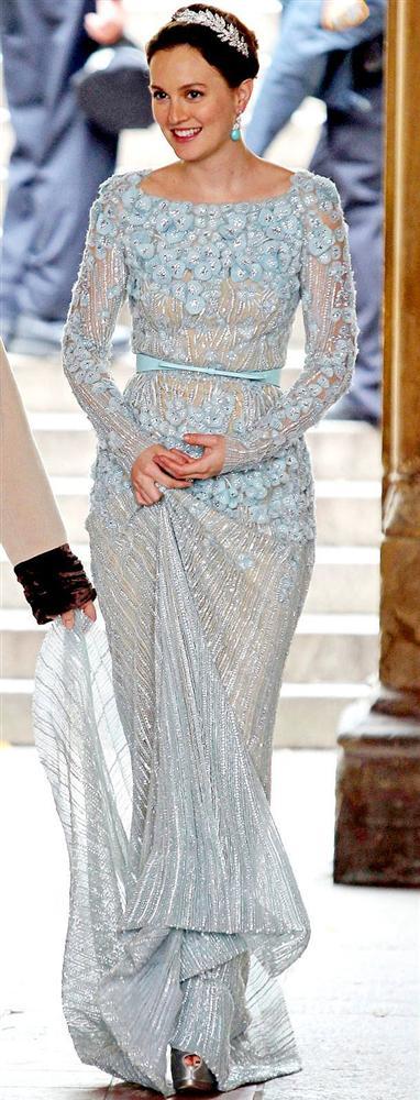 Chuck Bass ile evlenirken giydiği Mavi gelinlik...