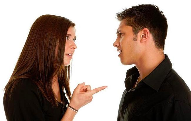 13. Araştırmalara göre, erkekler sadece kaybetmekten korktuğu kadınlarla tartışmaya girmez.