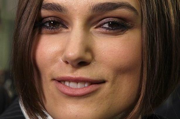 8. Bir kadın günde ortalama 62 kez gülümserken bir erkek yalnızca 8 kere gülümser.